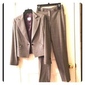 Armani Collezioni • Women's Pant suit